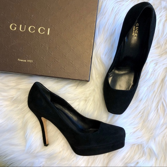 Gucci Shoes - Gucci Kid Scamosciato Nero Pumps in Black